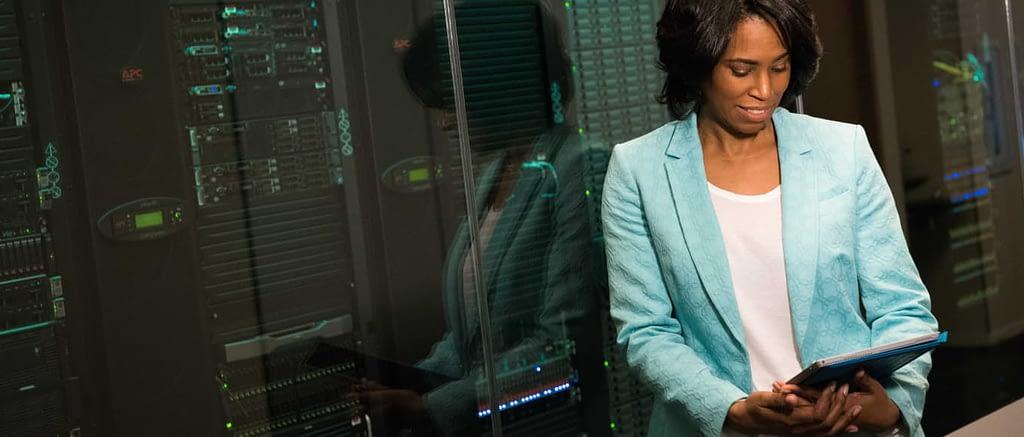 Best WordPress Hosting Woman in Datacentre